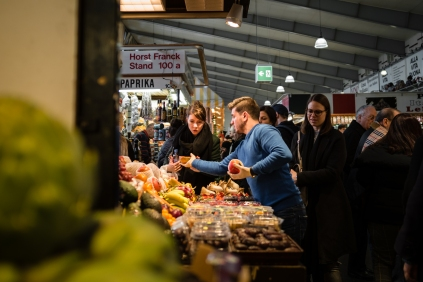 """OLYMPUS DIGITAL CAMERA - The """"Kleinmarkthalle"""" is a public markethall in the heart of the city of Frankfurt where you can buy fresh vegetables, meat, cheese and bread as well as fresh fish."""
