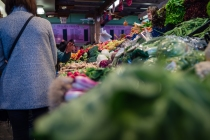 "OLYMPUS DIGITAL CAMERA - The ""Kleinmarkthalle"" is a public markethall in the heart of the city of Frankfurt where you can buy fresh vegetables, meat, cheese and bread as well as fresh fish."