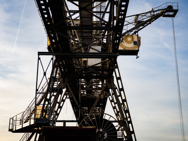 OF_INDUSTRIAL_CRANE_SMALL-1