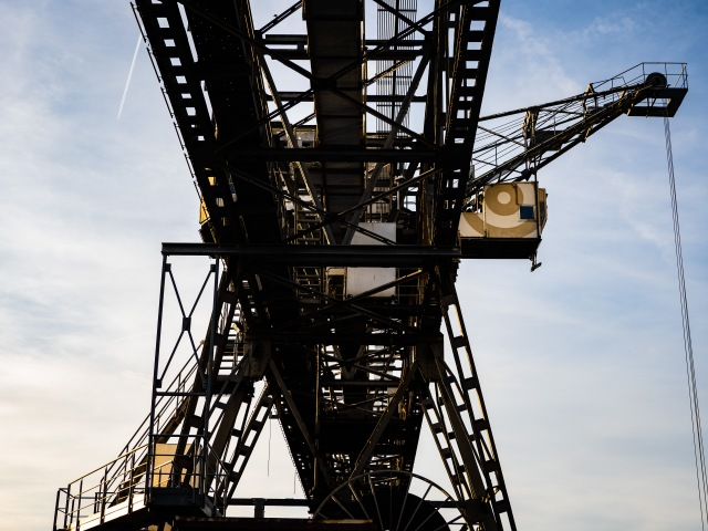 OF_INDUSTRIAL_CRANE_SMALL-3